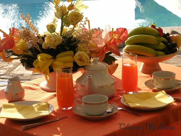 colazione bordo piscina